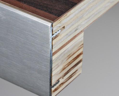 Vlak werkblad 64mm met aluminium rand in de kleur aluminium geborsteld