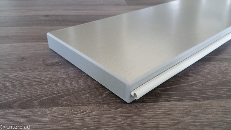 Plint Onder Keuken.Plintstrip Interblad Keukenbladen En Interieurbouw